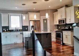 Halcyon Homes - Custom Kitchen 3