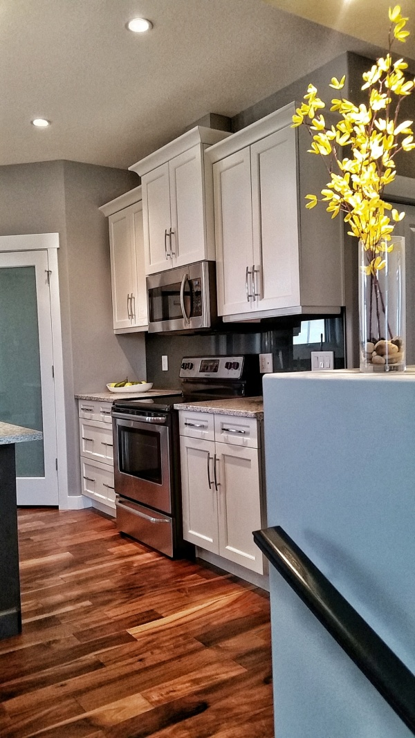 Halcyon Homes - Custom Kitchen 5